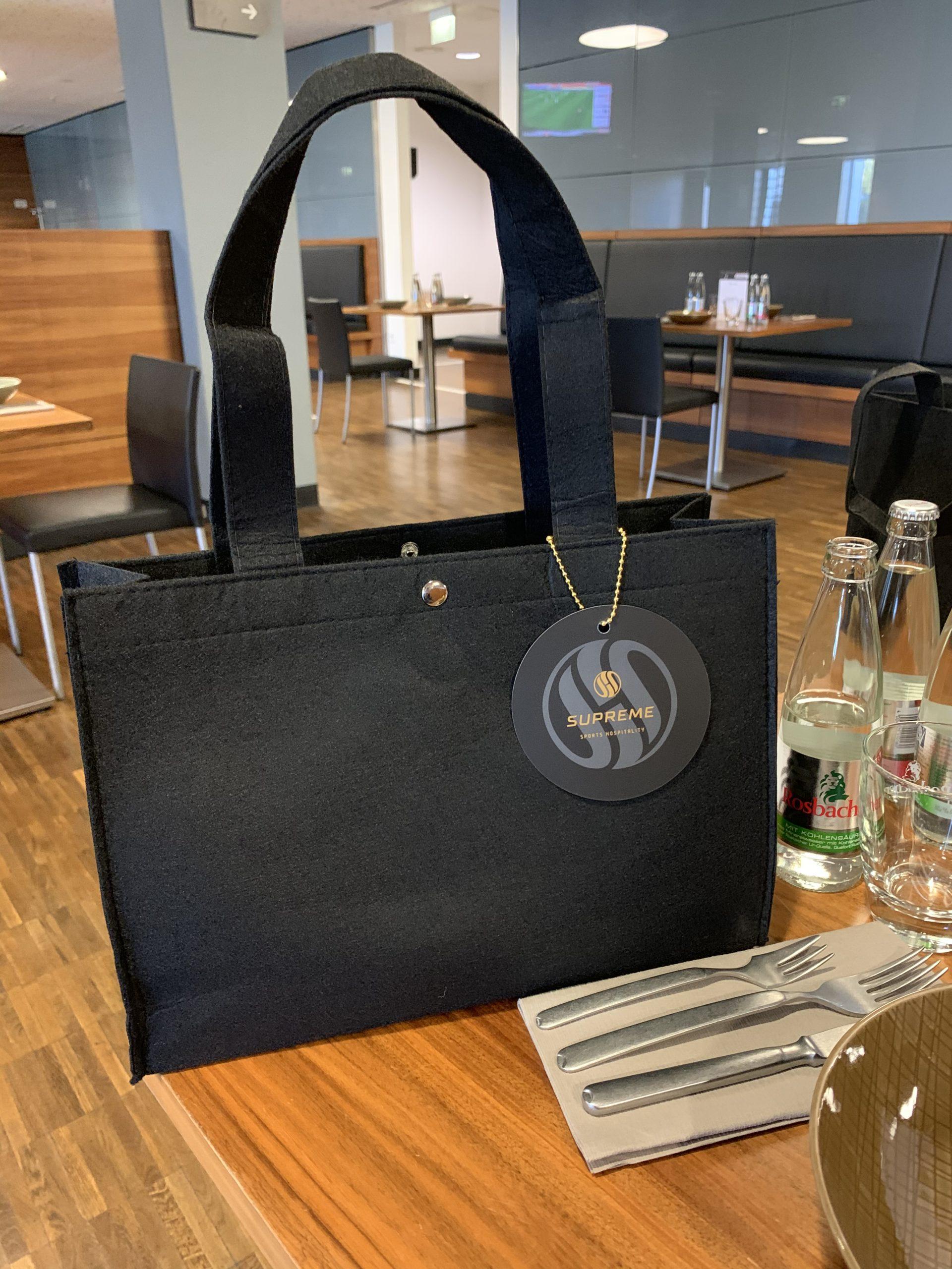 Handtasche vom SGE-Caterer wie bei https://lovely-handbag.de
